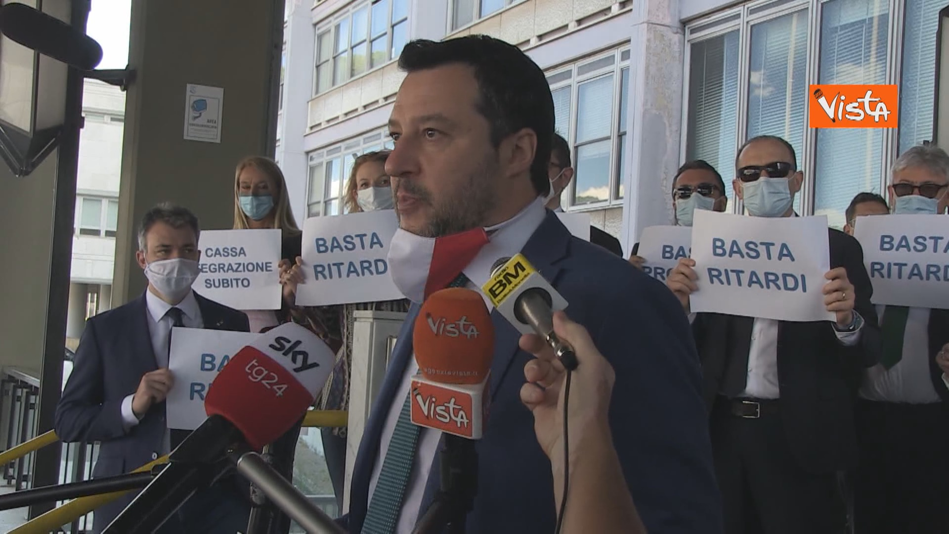 Salvini open arms