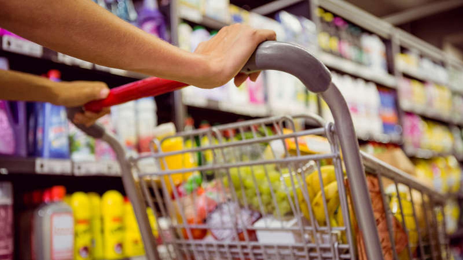 commercio_consumi_carrello_supermercato