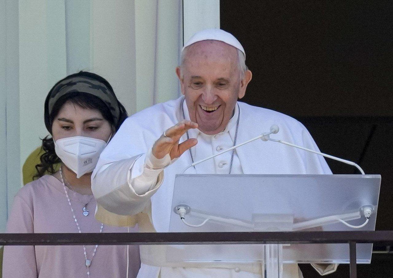 Papa Francesco angelus gemelli