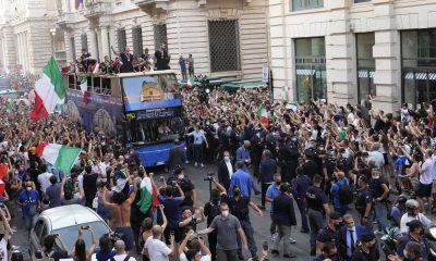 Bus nazionale italiana scoperto