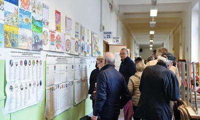 Seggio elettorale scuola